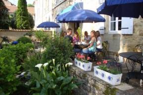 Petit Dej sur la terrasse Hotel de France et de Russie